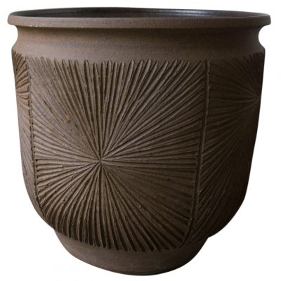 Inner Gardens David Cressey Sunburst Earthgender Plant Pot. terra cotta pots, outdoor plant pot, outdoor planters pots, David Cressey, Robert Maxwell, Earthgender, 1970s ceramic pot, sunburst. Discovered by renowned landscape designer Stephen Block.