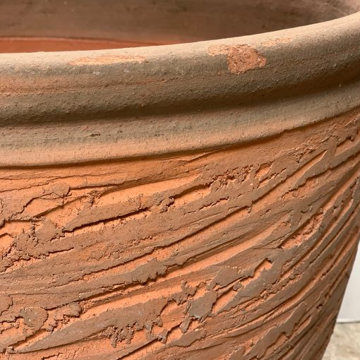 Top edge rolled rim detail, Hans Stumpf terra cotta midcentury planter