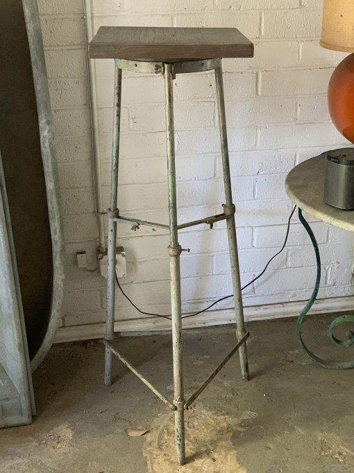 Antique sculptor stand made of wood metal
