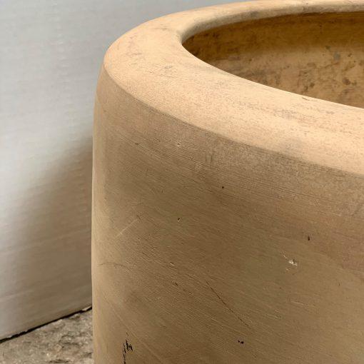 Midcentury pottery, John Follis planter left rim