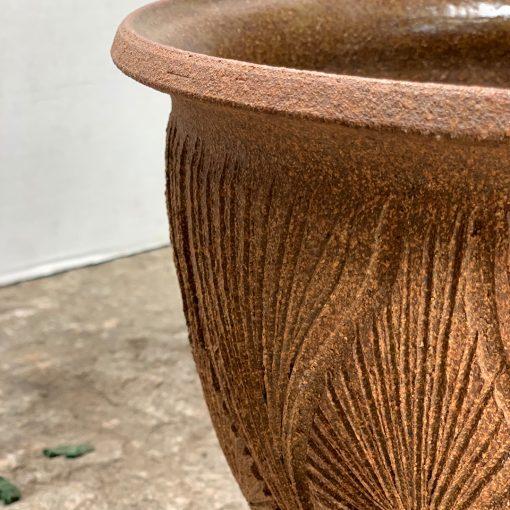 David Cressey & Robert Maxwell vintage pottery, left rim