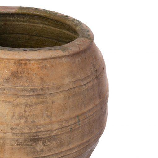 Rim of large terracotta pot planter