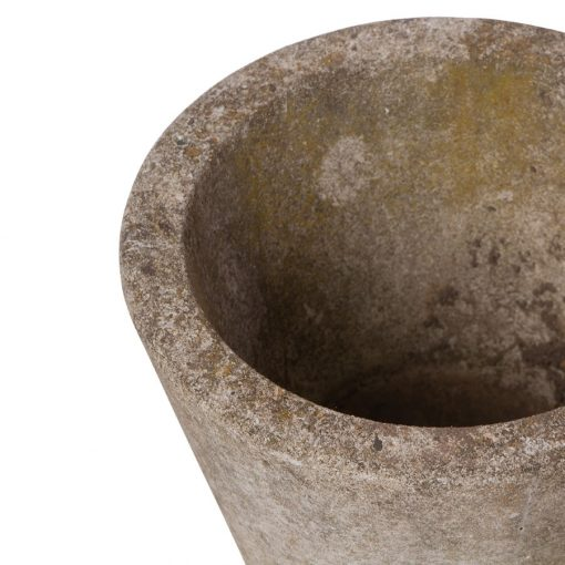 Rim of vintage garden planter pot